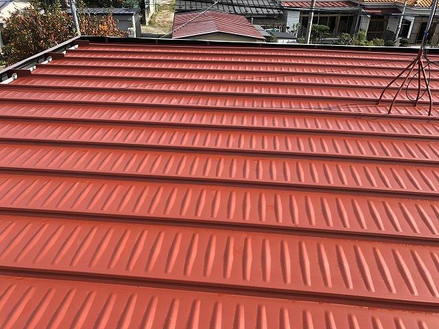 錆止めを塗った屋根全体