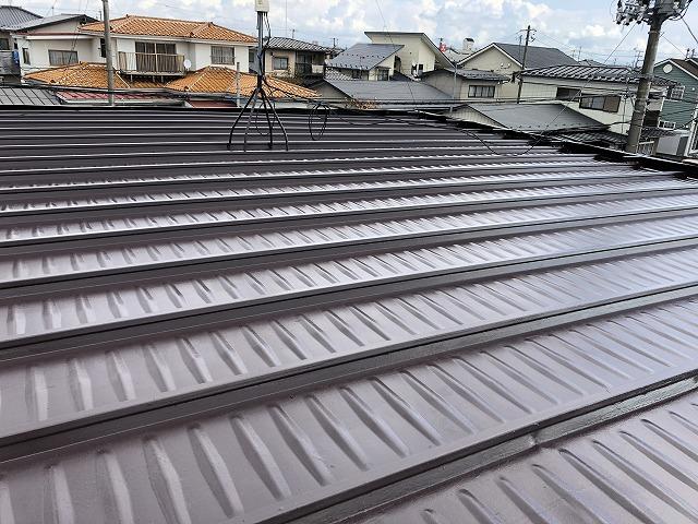 施工後のガルバリウム鋼板陸屋根