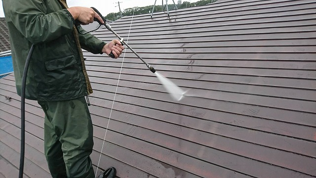 2階屋根の高圧洗浄