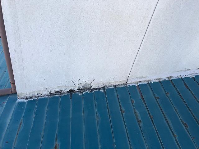 腐食した2階外壁北東部